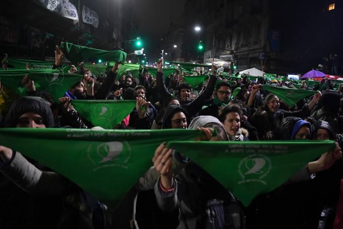 Argentina decide legalização do aborto