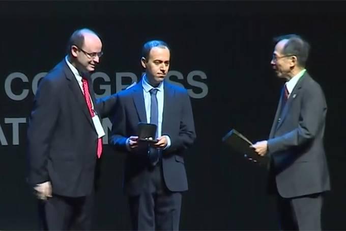 Iraniano Caucher Birkar teve a medalha Fields furtada
