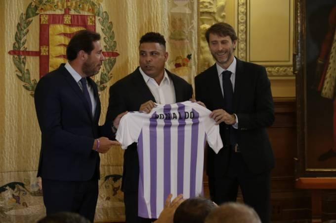 Ronaldo compra o Valladolid