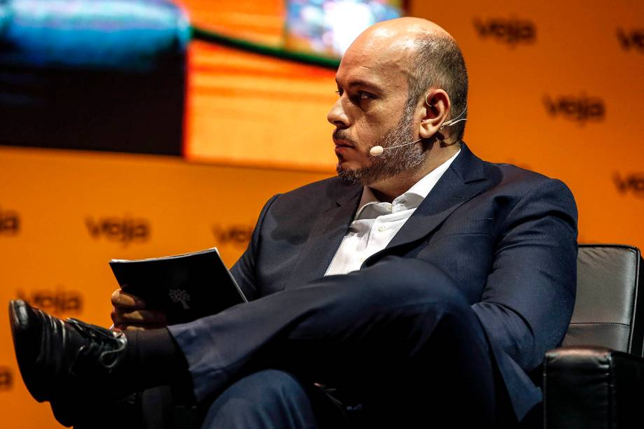 Daniel Bergamasco, editor especial de VEJA, entrevista o candidato João Amoêdo (Novo), no fórum Amarelas Ao Vivo