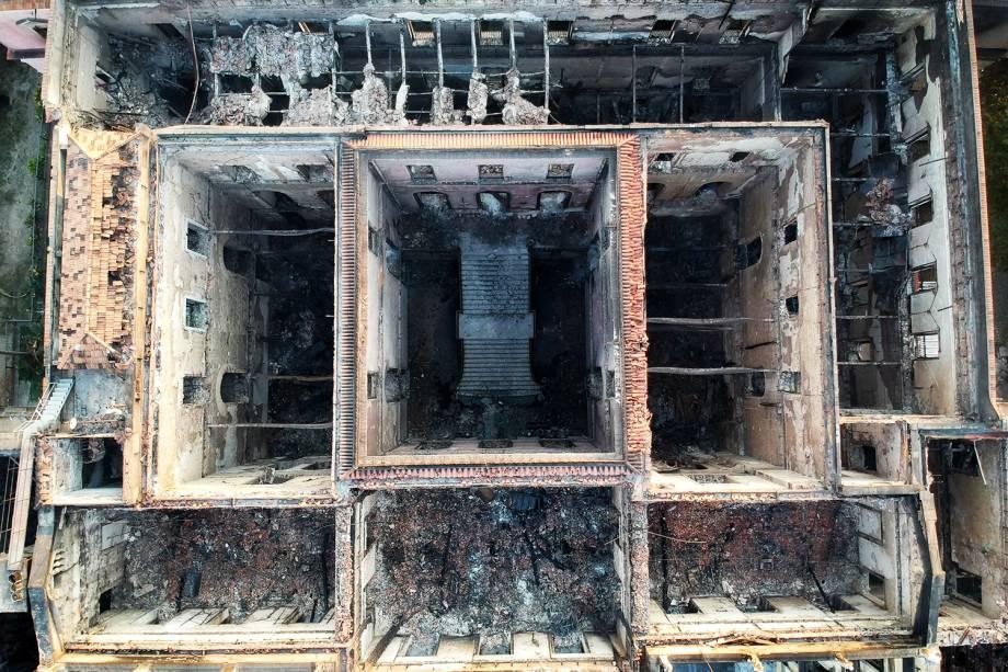 Imagem registrada por drone mostra destruição causada por incêndio no Museu Nacional, localizado no Rio de Janeiro (RJ) - 03/09/2018