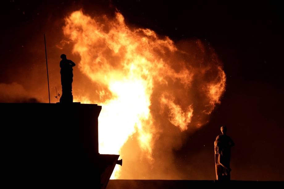 Incêndio de grandes proporções consome o prédio do Museu Nacional, no Rio de Janeiro - 02/09/2018