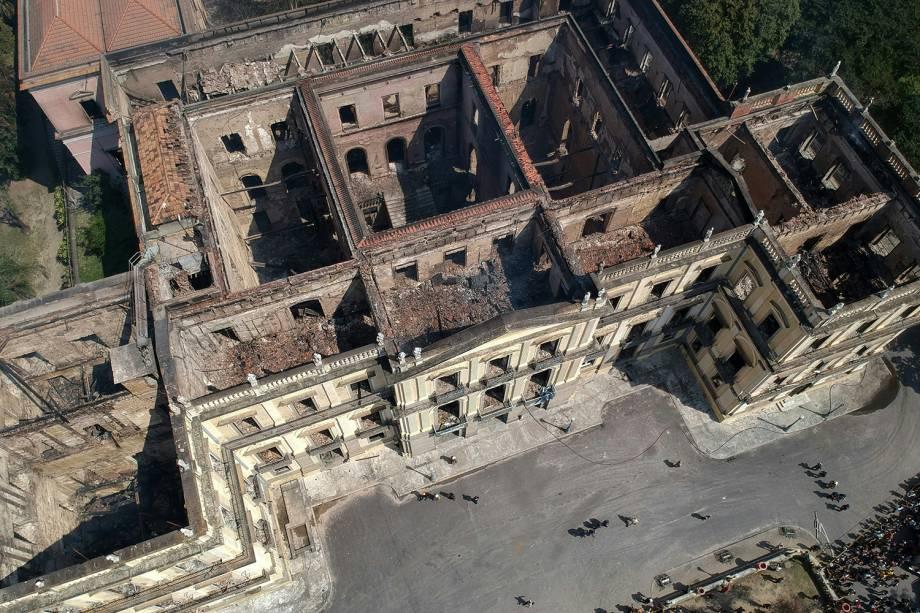 Vista aérea do Museu Nacional no Rio de Janeiro após bombeiros controlarem as chamas do incêndio - 03/09/2018