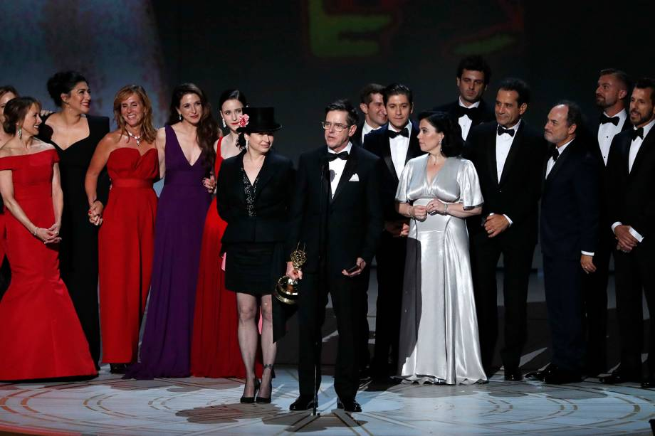 """The Marvelous Mrs. Maisel"" vence na categoria de Melhor Comédia, durante a cerimônia do Emmy Awards - 17/09/2018"