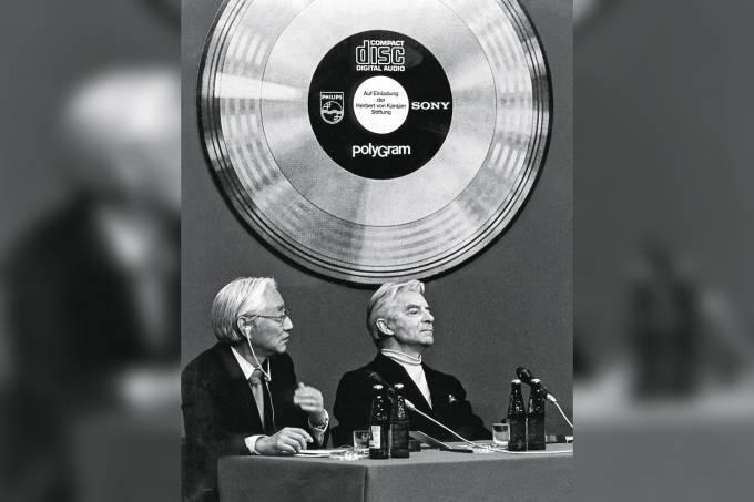 Herbert von Karajan e Akio Murita