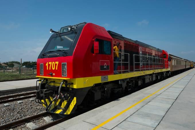 Colisão entre dois trens deixa pelo menos 18 mortos em Angola3