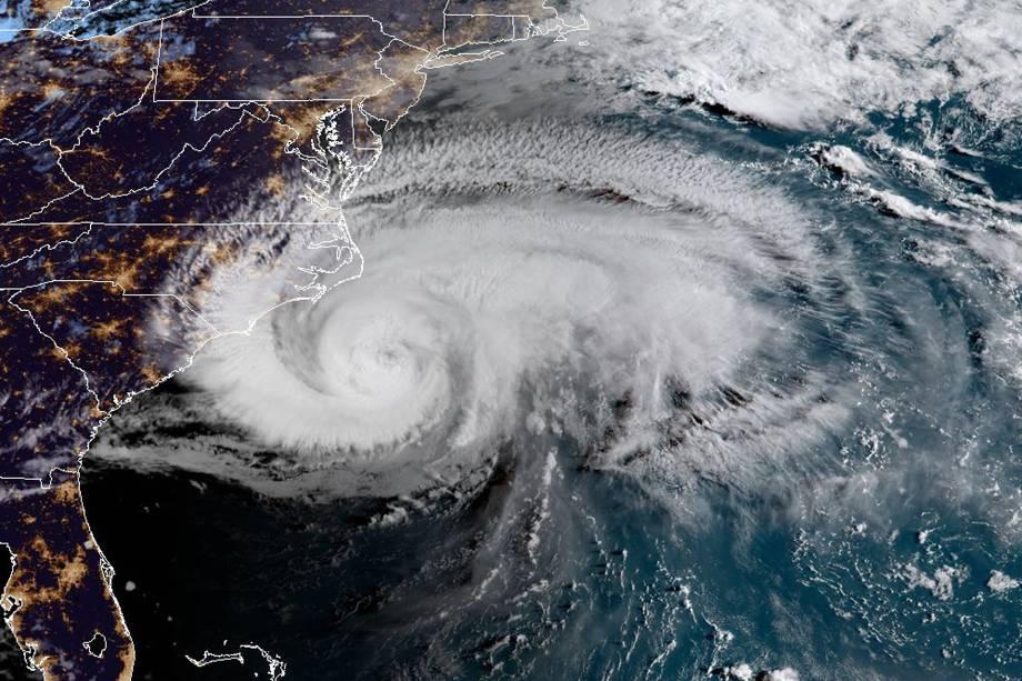 Câmera de satélite mostra o avanço do furacão Florence sobre a costa leste dos Estados Unidos - 13/09/2018