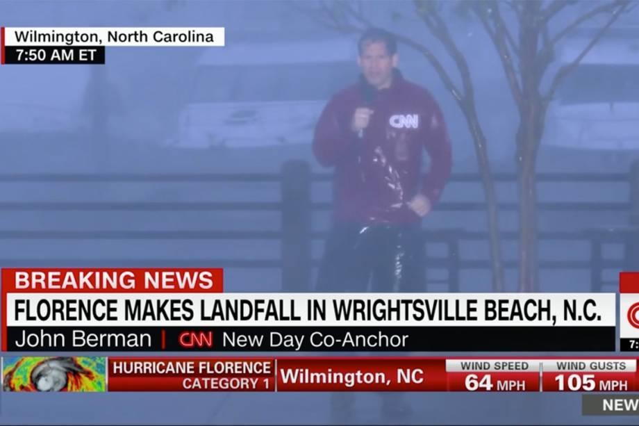 Repórter da CNN anuncia o Furacão Florence tocando o solo dos Estados Unidos em Wilmington, na Carolina do Norte - 14/09/2018
