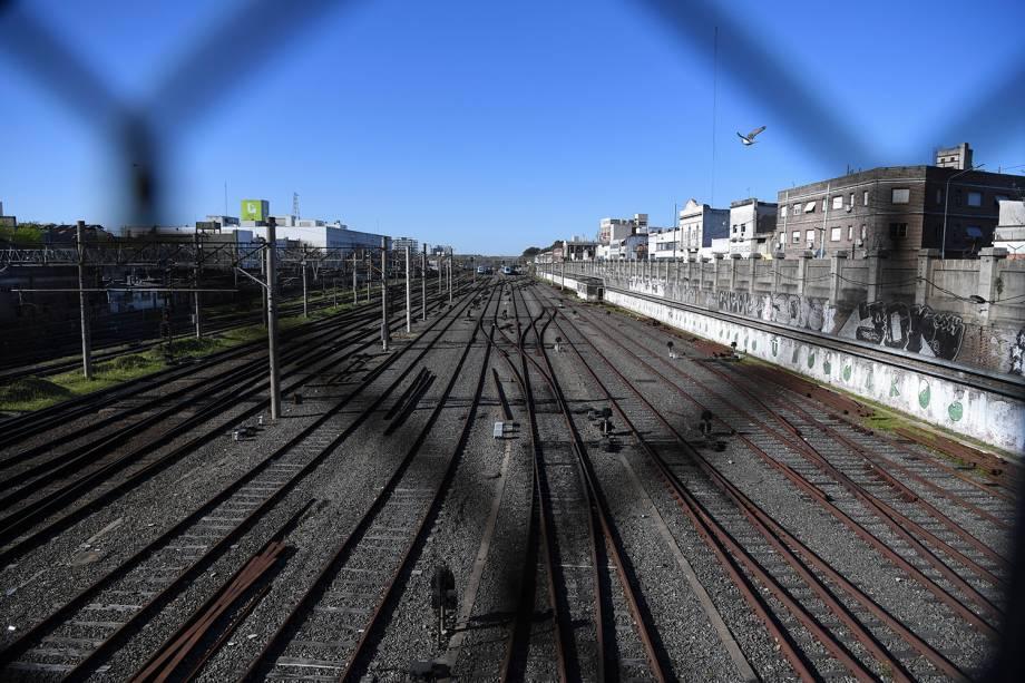 Trens paralisam suas atividades na Estação Constitución, em apoio à greve geral em Buenos Aires, capital da Argentina - 25/09/2018