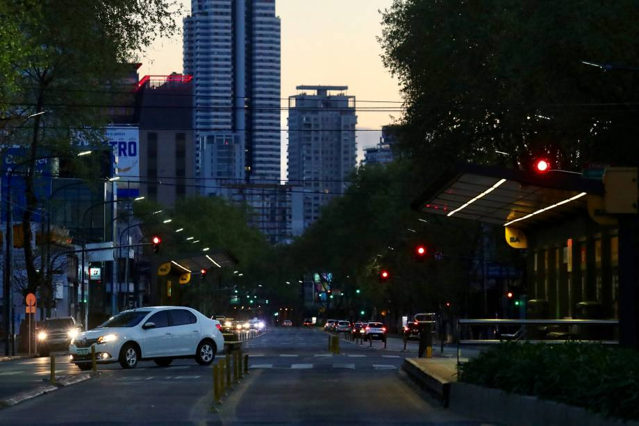 Paradas de ônibus ficam vazias durante greve nacional em Buenos Aires, Argentina - 25/09/2018