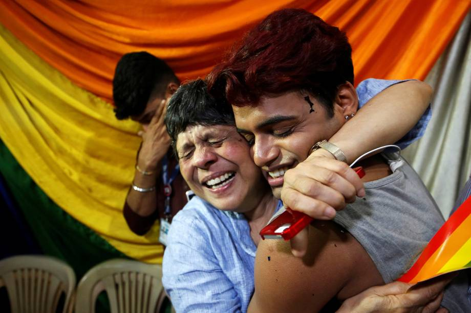 Ativistas da comunidade LGBT se reúnem em uma ONG em Mumbai para comemorar a decisão da Suprema Corte da Índia que descriminaliza as relações homossexuais - 06/09/2018