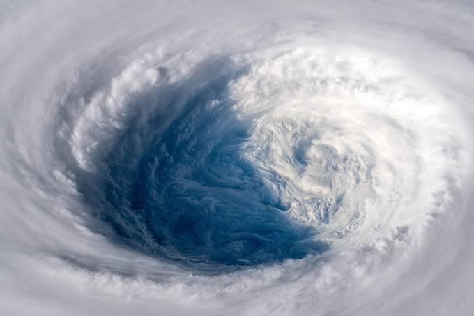 Japão se prepara para a chegada do poderoso tufão Trami