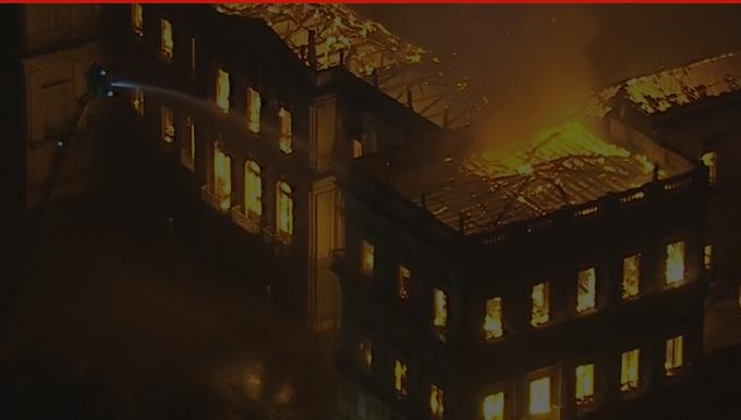 Museu Nacional Rio de Janeiro incêncio