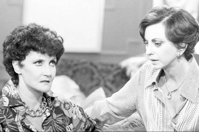 Monah Delacy e Beatriz Segall em 'Pai Herói'