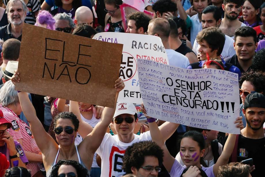 Protesto contra o presidenciável Jair Bolsonaro (PSL) no largo da Batata, em São Paulo - 29/09/2018
