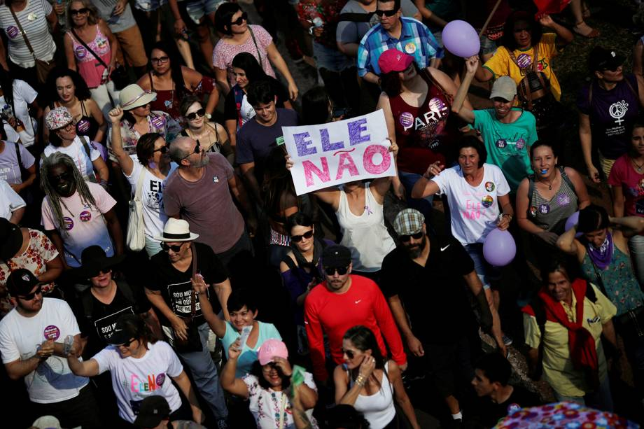 Manifestantes protestam contra Jair Bolsonaro em Brasília, Distrito Federal - 29/09/2018
