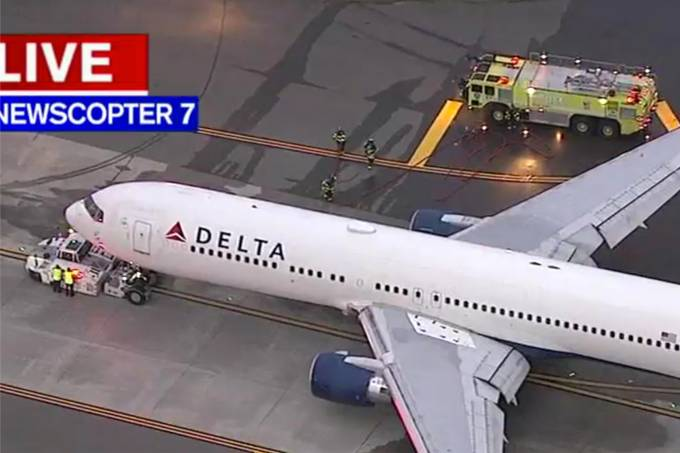 Voo Delta pousa no aeroporto JFK