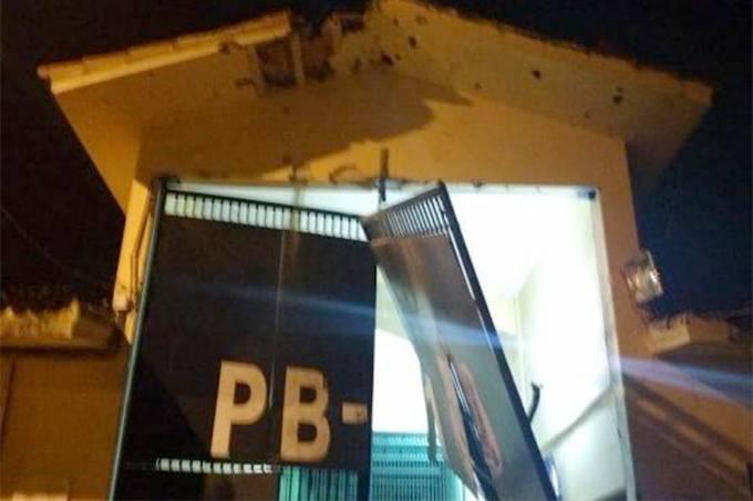 Explosão e fuga em presídio na Paraíba
