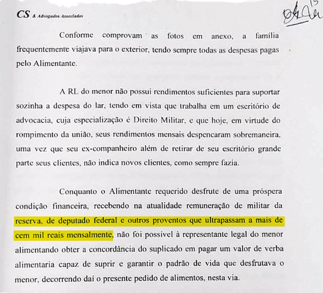 """RENDA NÃO DECLARADA - Ana Cristina anexou ao processo os holerites de Bolsonaro e relatou que o casal tinha uma renda de """"mais de 100000 reais"""" — em valores de hoje equivalentes a 183000 reais. Na época, os proventos como deputado e militar da reserva, suas únicas fontes de renda conhecidas, totalizavam 35300 reais mensais"""