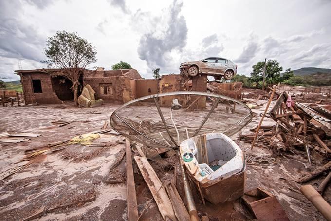 Rompimento de barragem da Samarco