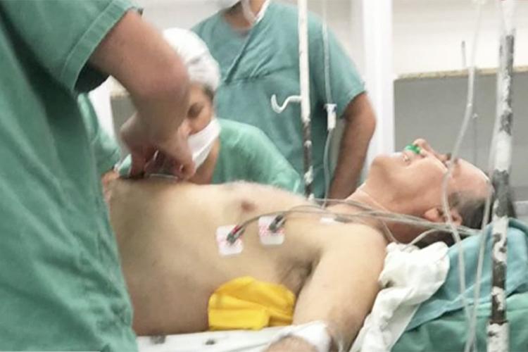 Bolsonaro é operado após esfaqueamento
