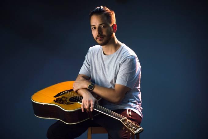 Junior Lima participa do programa VEJA Música