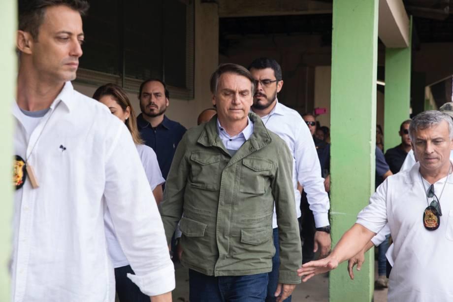 O candidato do PSL, Jair Bolsonaro, chega para votar com colete a prova de balas no Rio de Janeiro - 28/10/2018