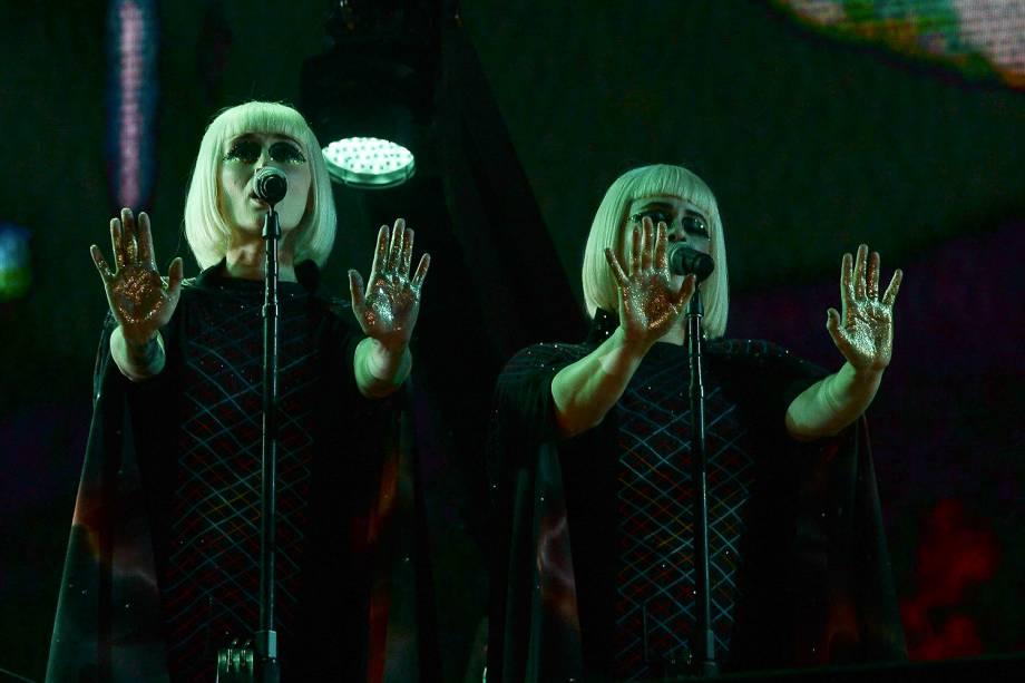 As backing vocals do show de Roger Waters durante a apresentação em São Paulo - 09/10/218