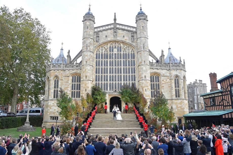 A Princesa Eugenie e Jack Brooksbank deixam a Capela de São Jorge depois do casamento no Castelo de Windsor - 12/10/2018