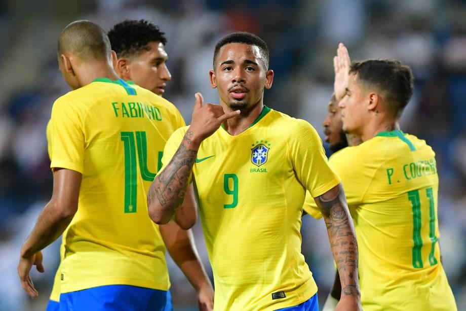 Gabriel Jesus comemora após marcar o primeiro gol da seleção brasileira na partida contra a Arábia Saudita em Riade - 12/10/2018
