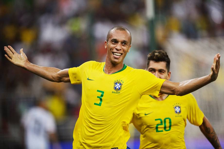Miranda comemora após marcar gol, durante partida entre Brasil e Argentina, válida pelo Superclássico das Américas - 16/10/2018