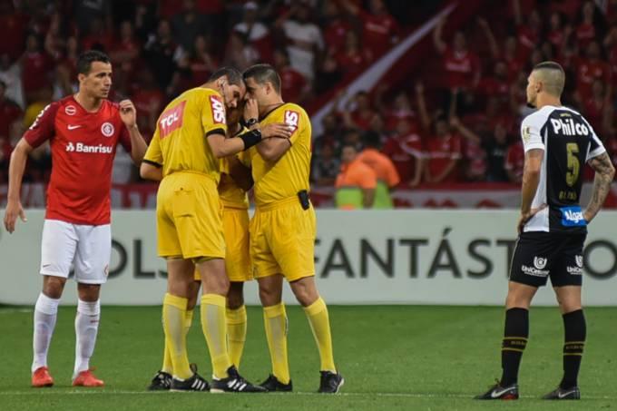 Campeonato Brasileiro – Internacional x Santos