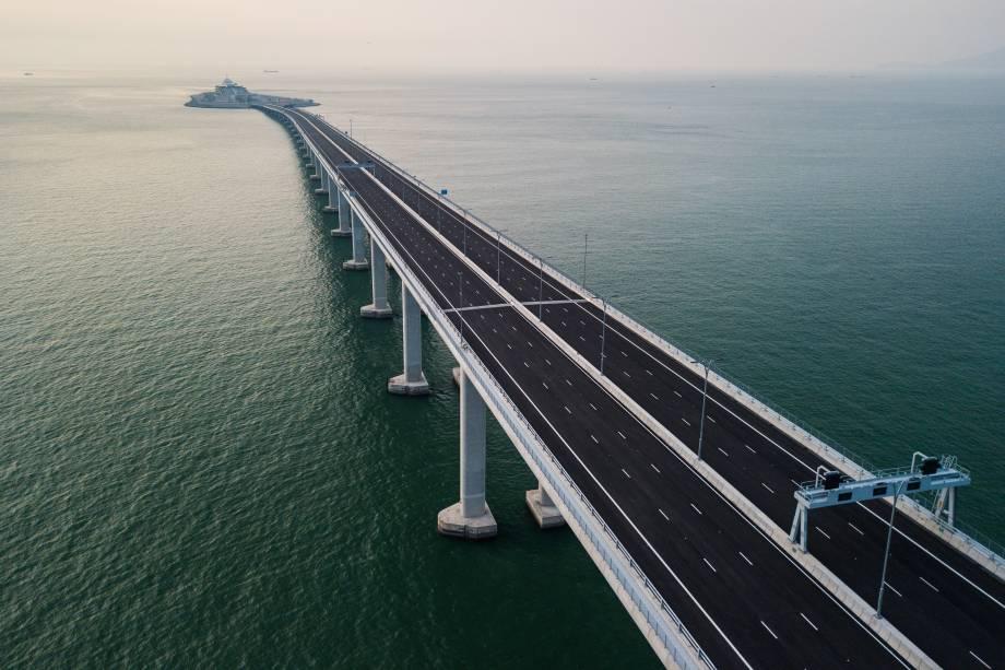 Vista aérea tomada da ponte de Hong Kong-Zhuhai-Macau (HKZM) em Hong Kong - 22/10/2018