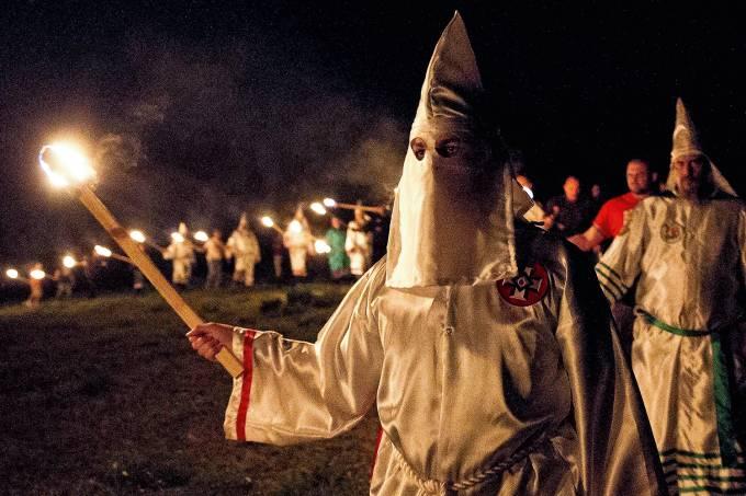 Sensacionalista – Ku Klux Klan