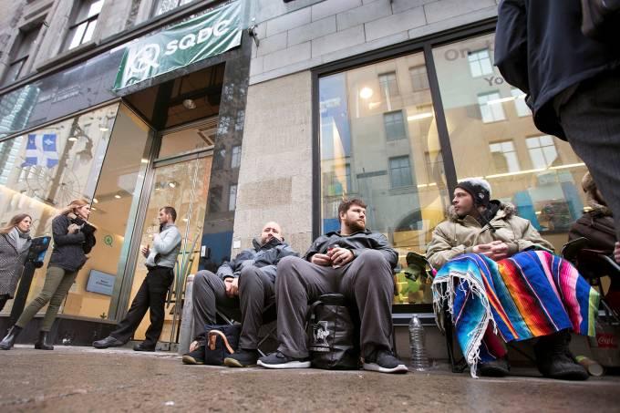 Fim dos estoques marca primeiro dia de legalização da maconha no Canadá