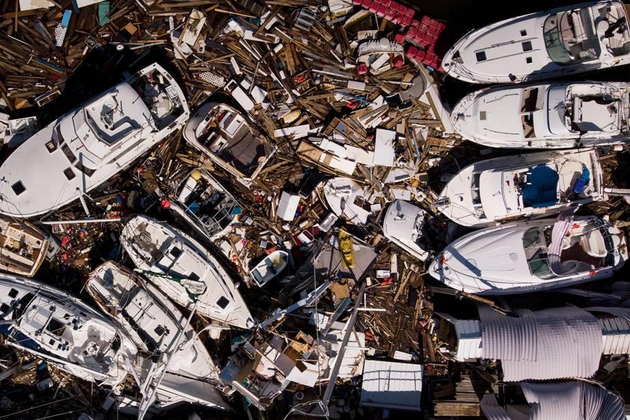 Barcos são destruídos após a passagem do furacão Michael em Panama City, cidade localizada no estado americano da Flórida - 11/10/2018