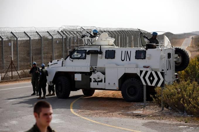 Veículos da ONU nas Colinas de Golã