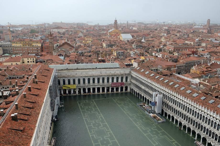 Vista aérea da inundação na Praça de São Marcos, em Veneza, na Itália - 29/10/2018