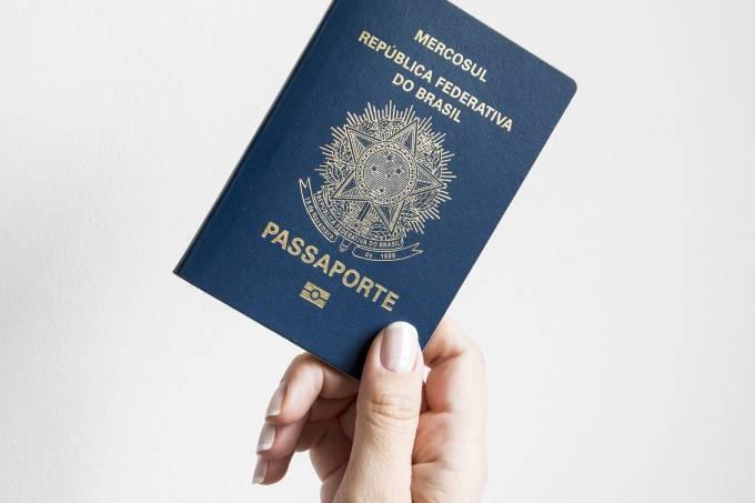 passport-2510289_1920