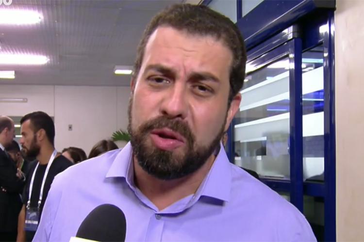 Guilherme Boulos (PSOL), candidato à Presidência da República, chega aos estúdios da TV Globo para participar de debate presidencial - 04/10/2018