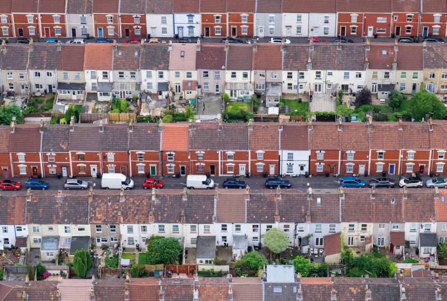 """Casas germinadas de Bristol, na Inglaterra - """"Minha esposa e eu sobrevoamos Bristol em um balão de ar quente. A visibilidade era excelente e a luz estava bonita às 20h em uma noite quente de julho. """""""