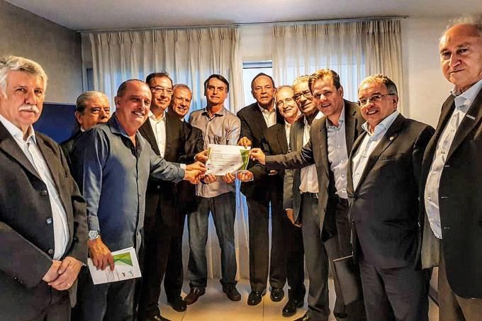 Jair Bolsonaro com empresários