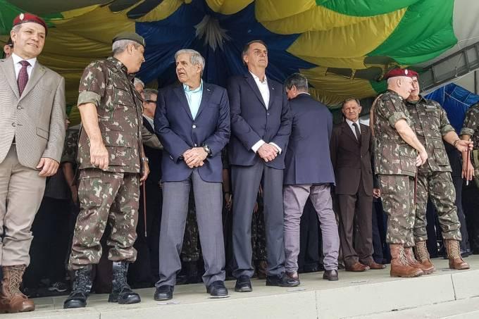 Bolsonaro durante evento com militares no Rio