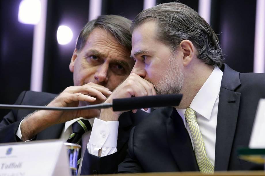O presidente eleito Jair Bolsonaro participa ao lado do presidente do STF Dias Toffoli da sessão solene do Congresso Nacional destinada a comemorar os 30 anos da Constituição Cidadã - 06/11/2018