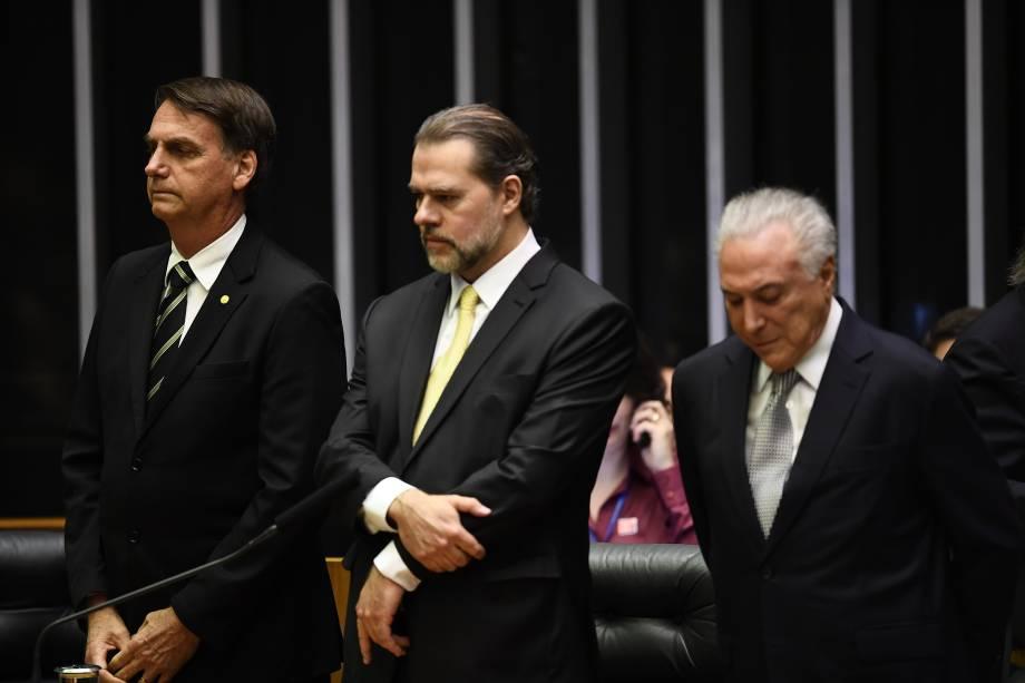 O presidente eleito Jair Bolsonaro, o presidente do STF Dias Toffoli e o presidente do Brasil, Michel Temer, participam de uma cerimônia para celebrar o 30º aniversário da Constituição Federal no Congresso em Brasília - 06/11/2018