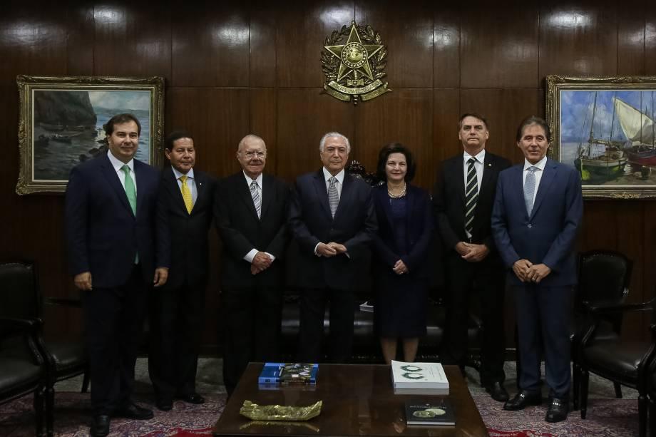 Rodrigo Maia, Hamilton Mourão, José Sarney, Michel Temer, Raquel Dodge, Jair Bolsonaro e Eunicio Oliveira