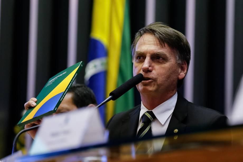 O presidente eleito,Jair Bolsonaro faz pronunciamento durante sessão solene no plenário da Câmra em Brasília - 06/11/2018