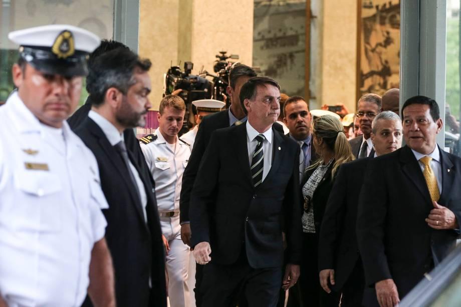 O presidente eleito, Jair Bolsonaro fotografado após reunião com o comandante da Marinha, Eduardo Bacellar Leal em Brasília - 06/11/2018
