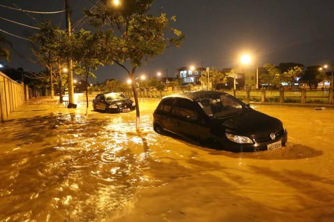 Chuva e alagamento em Belo Horizonte