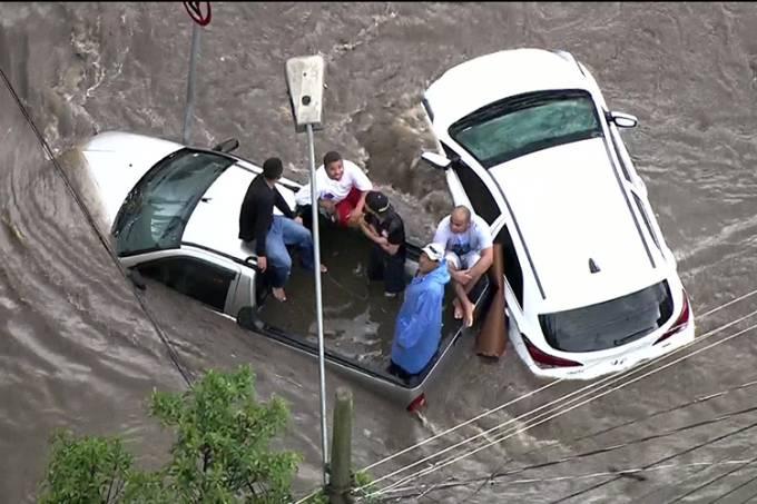Forte chuva atinge Santo André (SP)